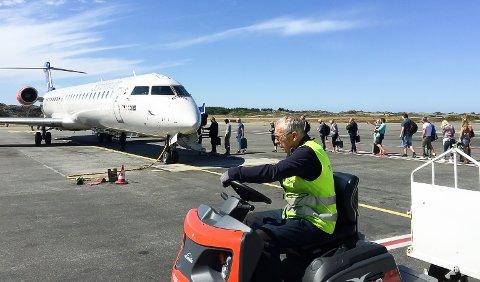 UTSATT: Flygingene skulle startet 14. desember. Nå er de utsatt til mai.