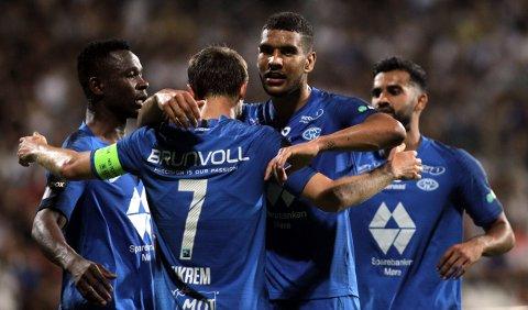 Molde-spillerne kunne juble for avansement i europaligaen onsdag. Nå venter Aris fra Hellas.