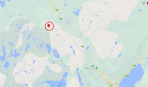 Det var i dette området ved Histeinsnuten i nærleiken av Korlevoll at dei to på ski hadde gått seg fast.