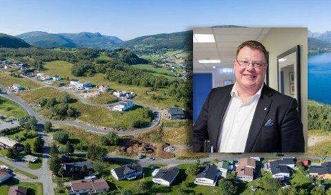 Kommunedirektør Hugo Thode Hansen er glad for at det endelig er klart at ny skole på Bergseng skal bygges på Mustapartajordet.