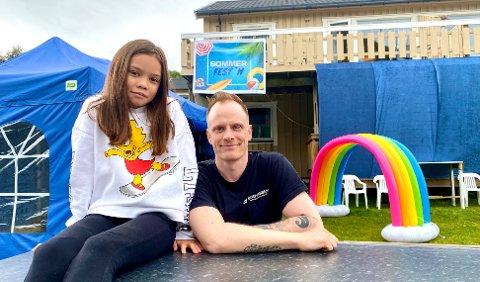 SOMMERFEST´N: Sammen med datteren Elina, arrangere Morten for andre år SommerFest'n på Rugdemyra på Bergseng.