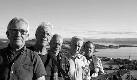 The Outlaws ble startet på Inderøy i 1965, og består fortsatt av Jens Verdal, Kjell Kvistad, Bjørn Ulvin og Hans Vist. Samt Erling Skjemstad og Per Gunnar Tønne.