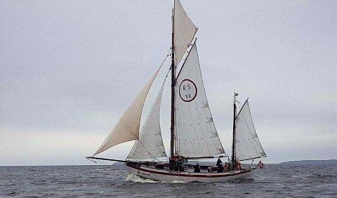 RS 32 Kragerø fyller 100 år og markerer jubileet med å seile fra Fredrikstad til Lofoten.