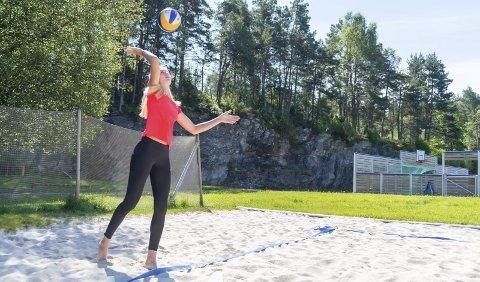 Ane Guro Hjortland (25) frå Hatlestrand er klar for europameisterskapet i sandvolleyball om ein snau månad. – Det vert både knalltøft og veldig gøy, seier ho.