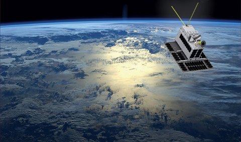 OVERVÅKER SKIPSTRAFIKK: En ny norsk satellitt, med Kongsberg-teknologi om bord, skal skytes opp i høst.