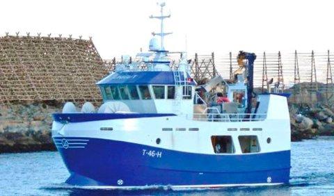 """NY HAVN OG NYTT NAVN: """"Solbjørn """" er det nye navnet på båten som får Reine som hjemmehavn."""