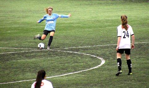 Leknes Jente19 i NM-kvalifiseringskampen mot Sortland i Blåbyhallen.