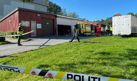 En fotgjenger ble påkjørt av et større kjøretøy i et boligområde på Byåsen fredag.