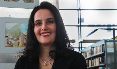 TILFELDIGHETER: På sommeren i 2008 plukket Lanes opp en haiker i Kilpis, uvitende om at hun skulle reise til Latvia senere samme år. Men da hun landet i Riga, var det nettopp denne haikeren som tok i mot henne på flyplassen.