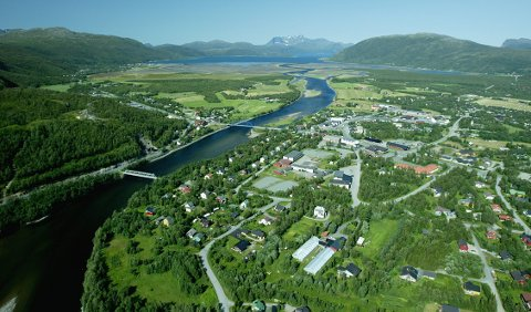 NEDERST: Nordreisa lå fredag nederst på den nasjonale vaksinasjonslista. I denne kommunen er det bare drøyt 34 prosent av innbyggerne som har fått første stikk. I Karlsøy, Karasjok og flere andre distriktskommuner er mer enn halvparten av innbyggerne vaksinert med første dose.