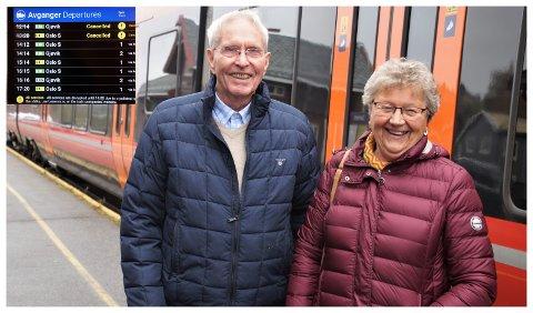 STOPPET PÅ JAREN: Aslak Backe og Nelly Espen var på tur hjem fra Gjøvik da de ble rammet av streiken torsdag.