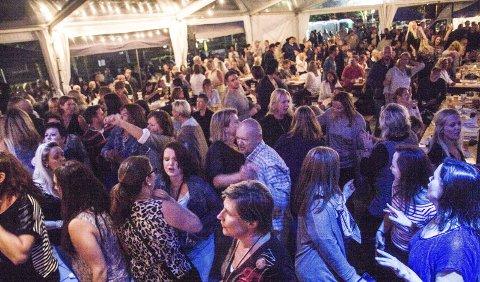 POPULÆRT: Publikum vet å sette pris på det de får høre. Her var Funkytown i aksjon i 2015.