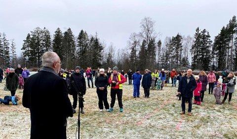 OVERRASKET: Varaordfører Rune Høiseth skulle åpne en aktivtetspark og bød like godt på hele bygdas største ønske.