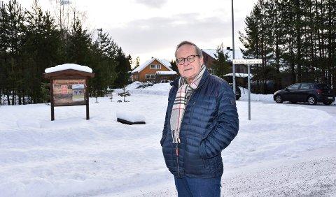 NYE VEGNAVN: Knut Fjeld sitter i utvalg for gate- og vegnavn. Dette utvalget har kommet fram til de nye vegnavnene, som formannskapet nå har vedtatt.