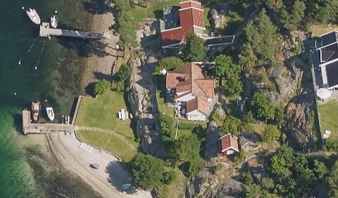 Her i Skautangveien ligger eiendommen med brygge det handler om.
