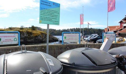 Noen har utført å skjære ut et større hull i to av innkastene i søppelcontainere ved Sjøbua på Valle, for å kunne kaste store gjenstander i containerne. – Dette er hærverk, sier Anne Berit Steinseth, daglig leder i Renovasjon i Grenland.