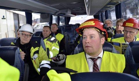 Bra for Norge: Rådgiver i olje- og energidepartementet, Elnar Remi Holmen (t.h.), mener grønne sertifikater er bra for forbrukerne og industrien i Norge. Foto: Beate Nygård