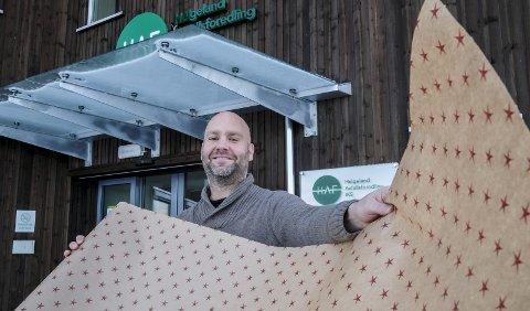 IKKE RÅD: - Vi i HAF har i år ikke råd til å gi alle husstander en rull med miljøvennlig julepapir, slik vi gjorde i fjor, sier kommunikasjonsansvarlig Geir Benden.