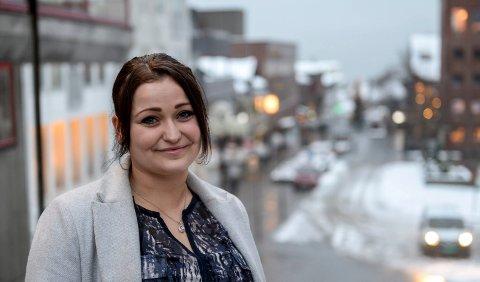 Forespørselen kom tirsdag og onsdag startet Veronica Isabel Pedersen, opprinnelig fra Rana, sin nye jobb som politisk rådgiver for Frp i Transport og kommunikasjonskomiteen på Stortinget.