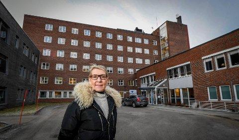"""Om det kan herske usikkerhet om tallene og hvem som omfattes av begrepet """"ledelse"""" i Helgelandssykehuset, er det ingen tvil om at administrerende direktør Hulda Gunnlaugsdottir er øverste leder. Hennes klare melding er: - Jeg er fleksibel på bosted."""