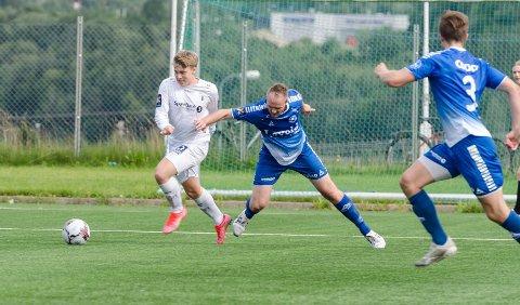 VIKTIG SEIER: Håkon Nerdal var frisk og rask og sørget for to scoringer mot Finnsnes. Et svekket Rana FK tok dermed en meget viktig seier.