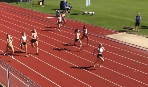 Rask: Maren Bakke Amundsen på veg mot gull på 200 meter i junior-NM.