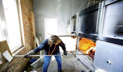 Etter nærmere 30 år i IT-bransjen valgte Nina Martinsen å hoppe av og starte egen bedrift. Nå driver hun Dyrekrematoriet i Oslo og Akershus på 6. året. ALLE FOTO: Tom Gustavsen
