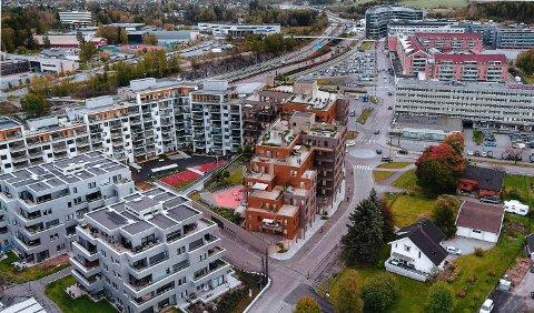 HJØRNET MOT SØR-ØST: Sentergården skal bygges der Globusgården ligger i dag. Ill.: Dark Arkitekter AS