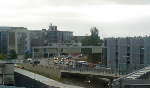 TRØBBEL: Løse gjenstander fra flytårnet på Oslo Lufthavn Gardermoen skaper trafikale problemer på hovedflyplassen.