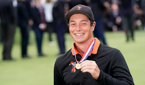 Amateur player, Viktor Hovland, of Norway, posses with the low amateur medal at the U.S. Open Championship golf tournament Sunday, June 16, 2019, in Pebble Beach, Calif. (AP Photo/David J. Phillip)