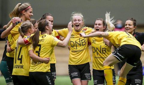 Ellevilt: At et lag som har vunnet så mye jubler såpass for en seier, viser hvor mye kvartfinaletriumfen betydde for LSK kvinner. Romerikingene vant fullt fortjent mot gulljagene Rosenborg. Alle foto: NTB