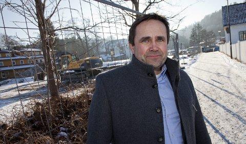 ENDRINGER: Kommunalsjef Morten Dyrstad sier folk neste uke må belage seg på nytt kjøremønster i Sætre sentrum.