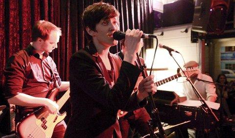 TRADISJON: Hilde Dahl er også i år vokalist når det spilles opp til påskejam på Draaben bar i Torggata første påskedag.     ARKIVFOTO: OLAF  AKSELSEN