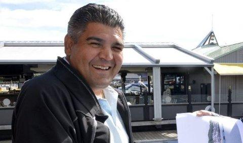 SVARER: Hassan Samaha påpeker det han mener er flere feil i anmeldelsen av restauranten hans.
