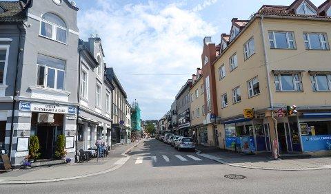 OPPGRADERES: Kongens gate sett fra Dronningens gate. Nå vil politikerne bruke fem millioner kroner på en oppgradering av strekningen til Kirkegata.