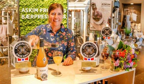 Bærpresseri-sjef Astrid Lier Rømuld oppfordrer lokale forbrukere til å fortsette å handle lokalt etter grensene åpner.