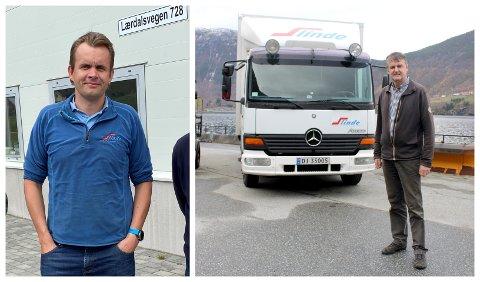 GLEDENS DAG: Arne Ahlin og Magne Ahlin i Slinde Transport sine bilar er storbrukarar av ferjesambanda, og jublar for at prisane etter alt å dømma skal kraftig ned.