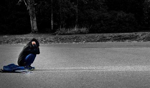 FIKK MEDHOLD: En gutt ble mobbet i tre år på en skole i Skien. Guttens mor klagde saken inn til Fylkesmannen i Telemark, som konkluderer med at skolen ikke gjorde nok i saken. Tall fra 2018 viste at problemer mellom foreldre og skole er stort på landsbasis.
