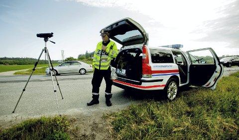 Flyttingen av stillinger fører til at det blir flere UP-kontroller i Midt-Norge. Det er blant andre Senterpartiets Jenny Klinge glad for.