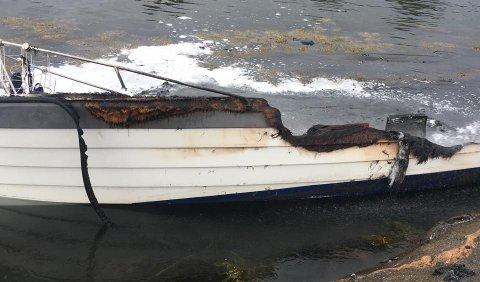 UTBRENT: Slik så båten ut etter brannen.