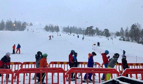 OVER FOR I ÅR :  2. påskedag ble siste fag med drift i gring Skisenter i sesongen 2020-2021.  Nå starter uker med vedlikehold.
