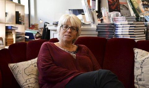 Solveig Røvik har jobbet som daglig leder og regnskapsfører for Bokbyens tre selskaper; Stiftelsen Bokbyen ved Skagerrak, Bokbyen Drift og Bokbyen Forlag.