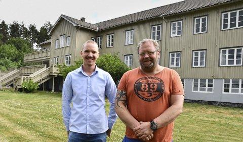 Stenger dørene: Brødrene Jørn og Rune Hellevik driver Englegård behandlingssenter som er en del av Care Service AS. Etter flere bekymringmeldinger og tilsyn har Helfo bestemt seg for å trekke tilbake millionstøtten til virksomheten.