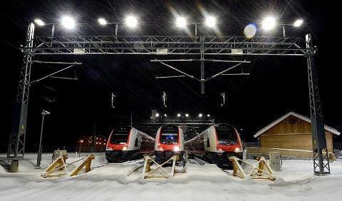 STREIK: En eventuell streik kan føre til perioder hvor togene må parkeres, blant annet på Gjøvikbanen. (Illustrasjonsfoto: Øystein Grue)