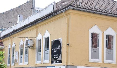 STOPP ETTER HALVANNET ÅR: Restauranten og pizzeriaen Singorelli har stengt dørene.