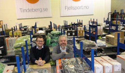 NEST BEST I LANDET: Stian Moldvær Larsen (til venstre) og Eric Sandtrø har jobbet med Fjellsport siden starten for sju år siden. Nå kan de glede seg over at nettbutikken har blitt kåret til nest best i Norge.