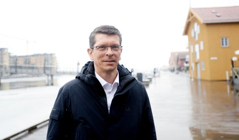 STOR OGSÅ I VESTFOLD: Geir Håøy er utdannet maritim ingeniør fra høyskolen som tidligere holdt til på Haugar i Tønsberg. Nå er han sjef for alle de 7.000 ansatte i Kongsberg Gruppen. Ca. 1.000 av dem arbeider i Vestfold.