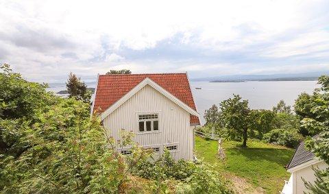 """Vidsyn: Flaskebekkhuset bærer navnet """"Villa View"""" med rette. Alle foto: Staale Reier Guttormsen (Bruk piltastene til å se litt mer av utsikten.)"""