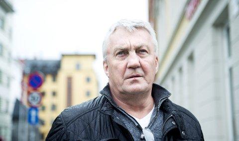 BESTEMT: Roar Abrahamsen i Fellesforbundets avdeling fem i Bergen pleier å være med å forhandle i lønnsoppgjøret. Nå vil han sikre høyere lønn og tette hullene i AFP-ordningen. FOTO: SKJAlG EKELAND