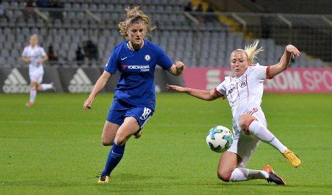 Med klaff i innspurten kan Maren Mjelde få sitt livs sesong i Chelsea, hun spiller om gull i serie, FA-cup og Mesterliga!